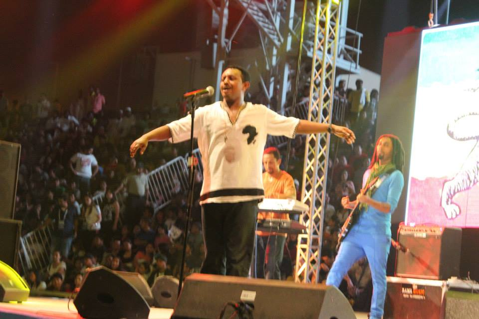 Teddy Afro at Qatar 2014 concert - Germawineto